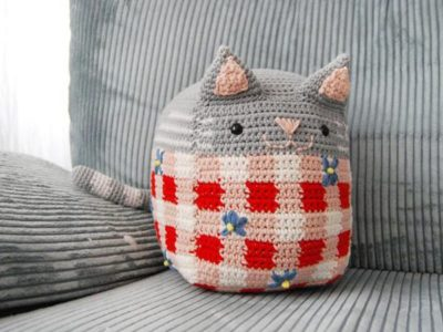 crochet Picnic Cat easy amigurumi