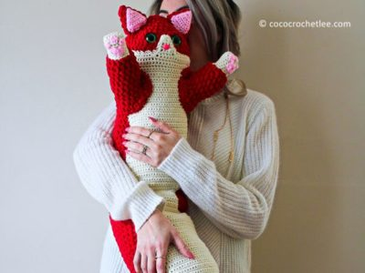 crochet Valentine Kitty Pillow free pattern