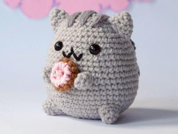 crochet Pusheen with Donut free pattern