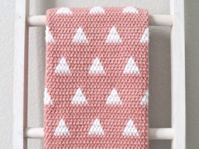 Crochet Triangles Baby Blanket free pattern