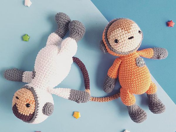 crochet Cleo Astronaut Monkey easy pattern