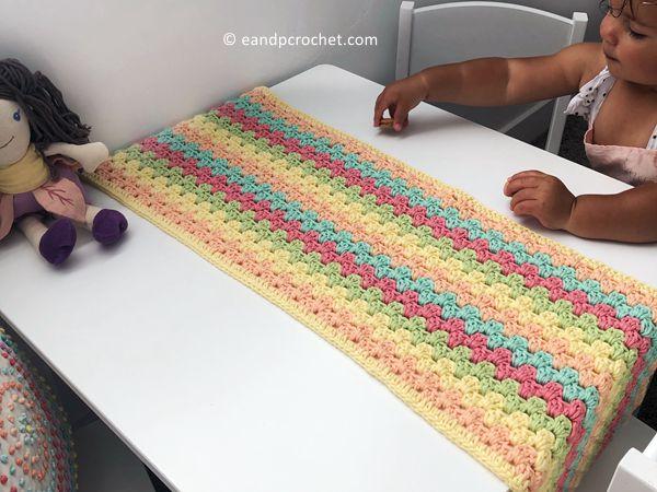 crochet Granny Stripes Table Runner free pattern