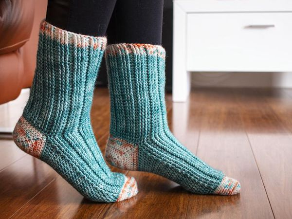 crochet Segue Socks easy pattern