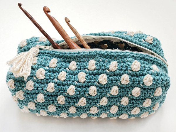 crochet Bobble Notions Bag free pattern