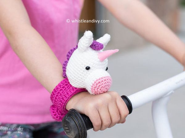 crochet Unicorn Slap Bracelet Buddy free pattern