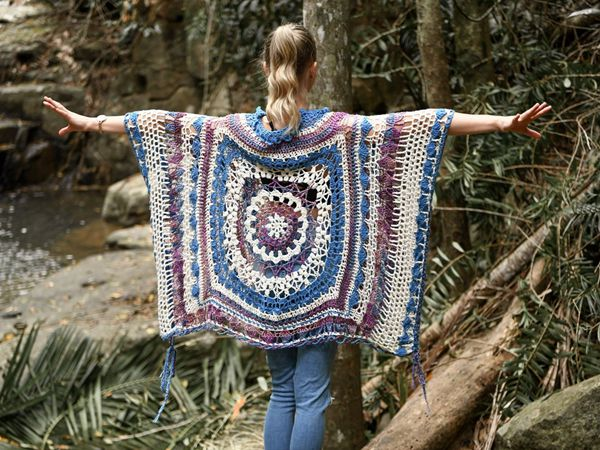 crochet Spectacular Mandala Poncho easy pattern