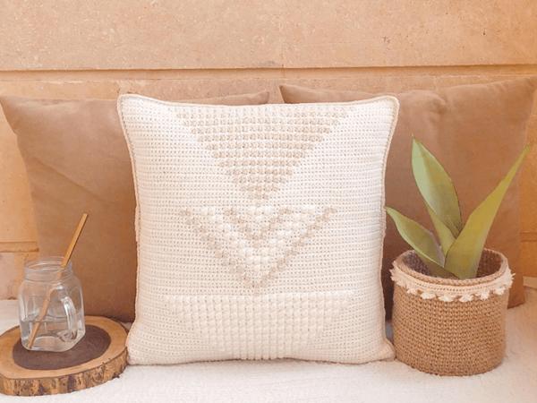 crochet ARROWMA Pillow free pattern