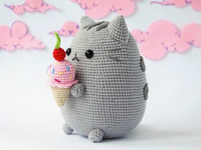 Pusheen with Ice Cream