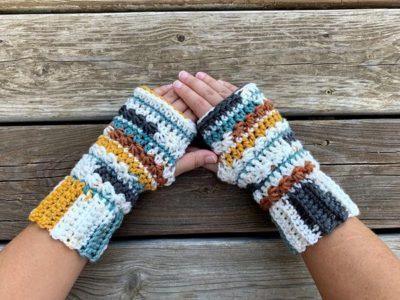 crochet Canyon Fingerless Gloves free pattern