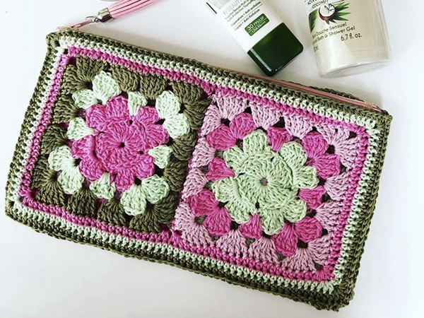 crochet Granny Square Pouch free pattern