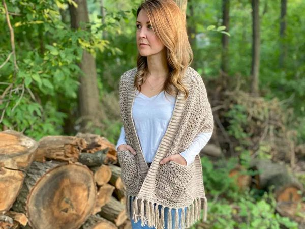 crochet Pine Gap Pocket Shawl free pattern
