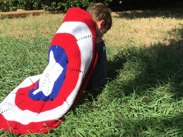crochet Superhero Pattern Cape Blanket easy pattern
