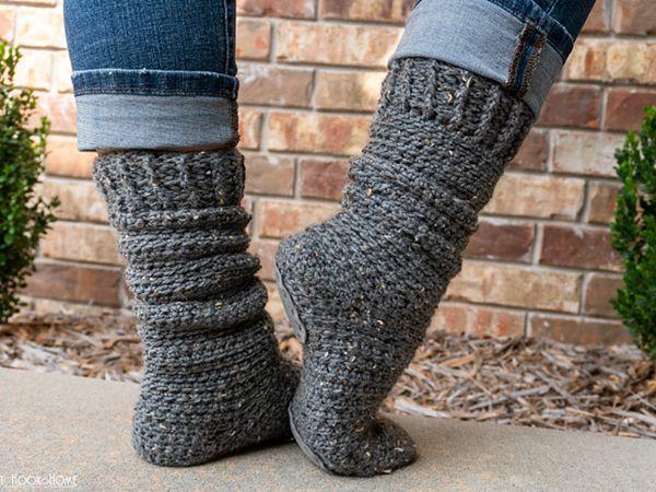 crochet Toe-Tally Easy Socks free pattern