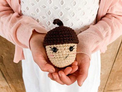 crochet Acorn free pattern