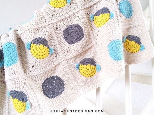 crochet Bee Granny Square Blanket free pattern