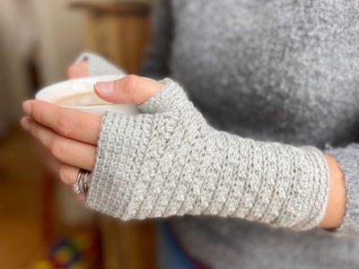 crochet Mystical Mitts free pattern
