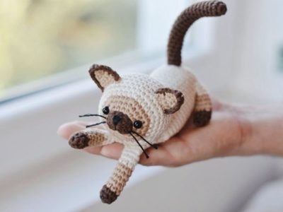 crochet Siamese Cat easy amigurumi pattern