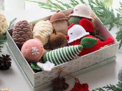 crochet Adorable Christmas Decoration free pattern