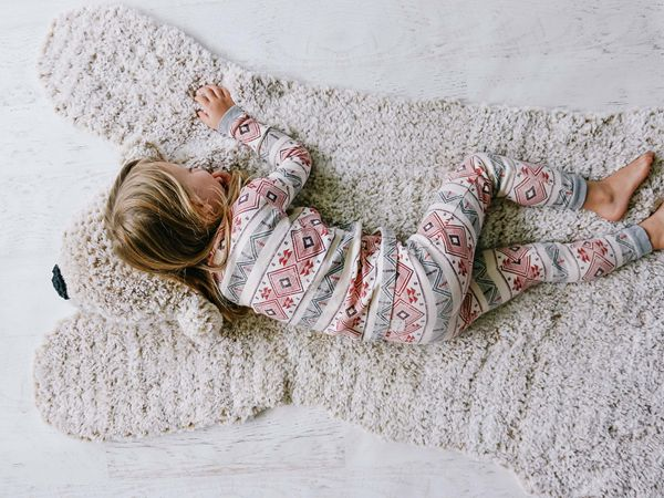 crochet Hibernation Bear Blanket Rug free pattern