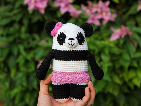 crochet Polly the Panda free pattern