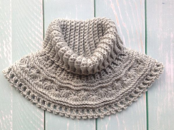 crochet Grey Sea Waves Neck Warmer easy pattern