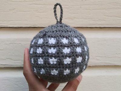 crochet Lightweight Through the Window Bauble Ornament free pattern
