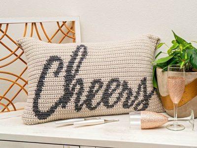 CHEERS CROCHET PILLOW free pattern