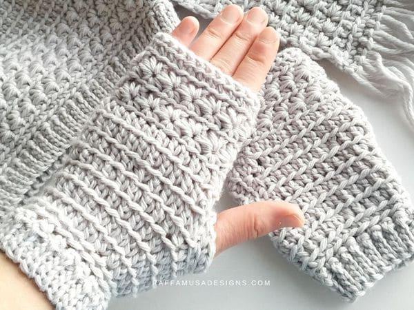 crochet Star Stitch Fingerless Gloves free pattern