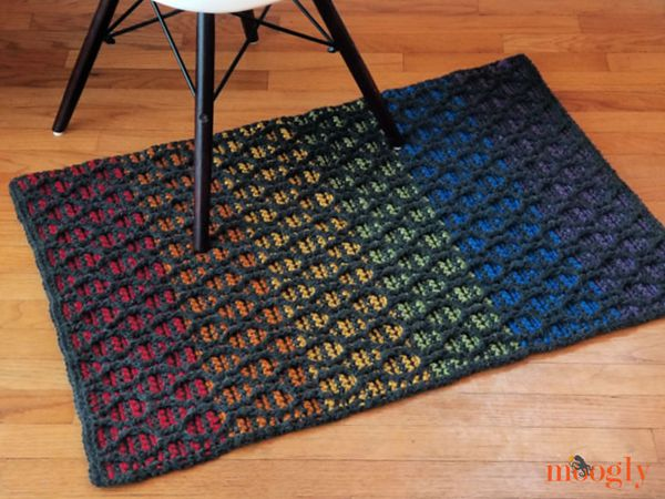 crochet Striped Hourglass Area Rug free pattern