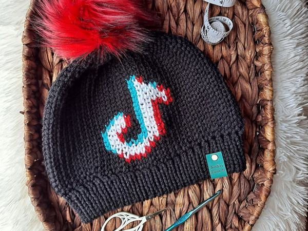 crochet TikTok Made Me Duet Beanie easy pattern