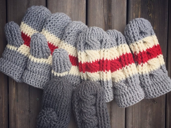 crochet True North Cabled Mittens easy pattern