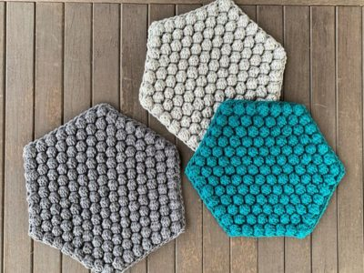 crochet Bobble Hexagon Trivet easy pattern