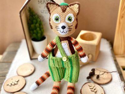 crochet Cat in Pants easy pattern