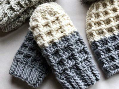 crochet Chunky Waffle Stitch Mittens easy pattern