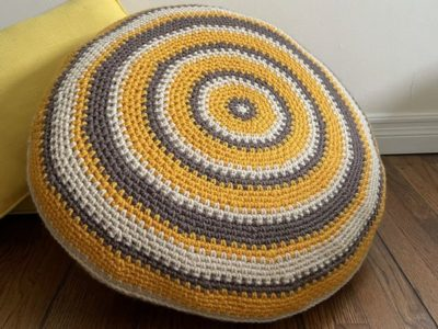crochet Cozy Cabin Pillow free pattern