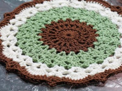 crochet Mint Chocolate Chip Doily free pattern