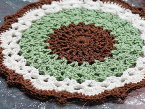 crochet Mint Chocolate Chip Doily free pattern