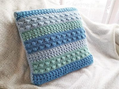 crochet Snowberry Cushion Cover free pattern
