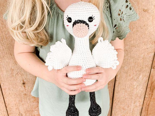 Free Crochet Swan pattern