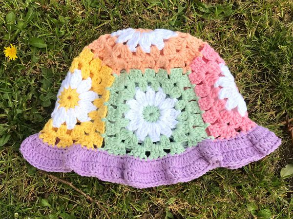 crochet Daisy Bell Bucket Hat easy pattern