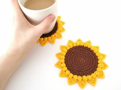 crochet Sunflower Coaster free pattern
