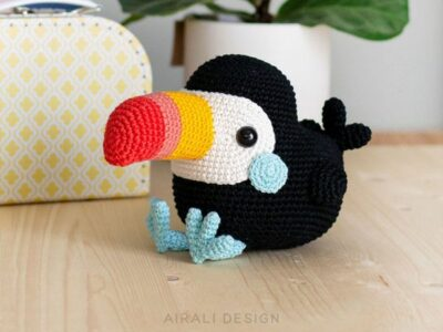 crochet Toco the Toucan easy pattern