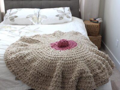 crohcet Boobie Decorative Blanket easy pattern