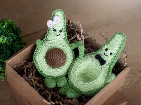 crochet Avocado toy free pattern