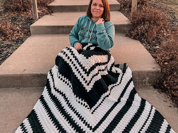 crochet Fractal Throw free pattern