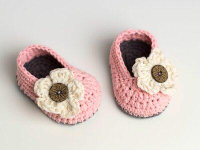 crochet Little Daisy Baby Booties free pattern