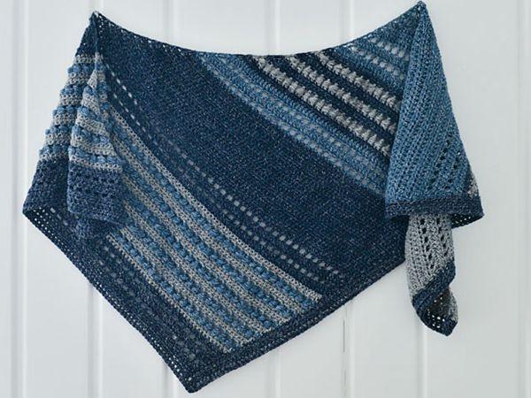 crochet Puff Stitch Shawl free pattern