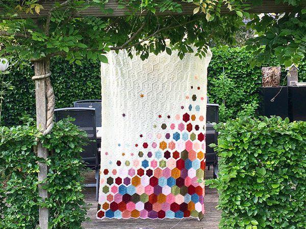 crochet Spring Flower Blanket easy pattern