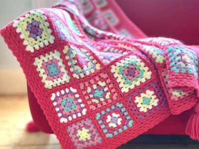 crochet Strawberry Candy Squares Throw free pattern