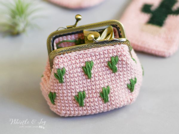 Cactus Crochet Coin Pouch free pattern